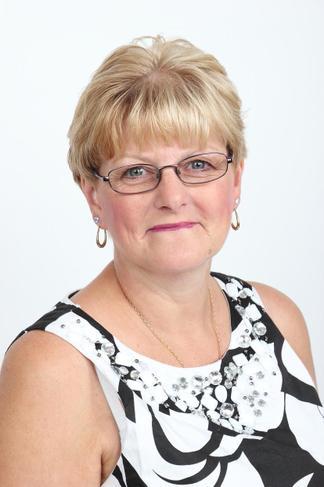 Mrs C Warne