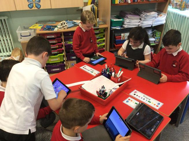 Creating Pirate Ships on Minecraft.