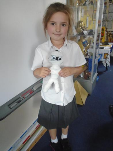 Zuzanna shows off her fabulous mummy.
