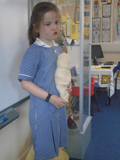 Evey explains how she made her mummy!