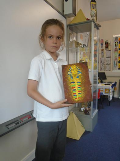 Alice explains how she made the sarcophagus.