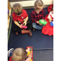 Looking for words that rhyme in the rhyming bags