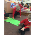 Creating a map for the bear in order to find her way back to the hare.