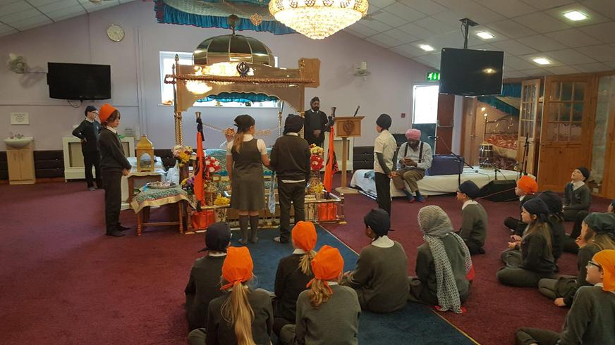 Enacting a Sikh wedding ceremony