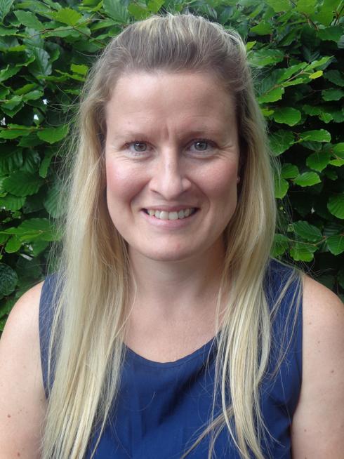 Mrs Oliver - Y1 Teacher/ Humanities & MFL Lead