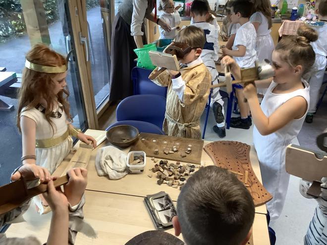 Exploring artefacts