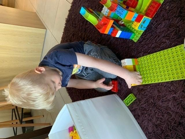 Building with Duplo and practising counting