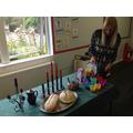 Understanding how Jewish people celebrate Shabbat.