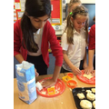 YEAR 4 SHAPING CHEDDAR CHEESE SCONES