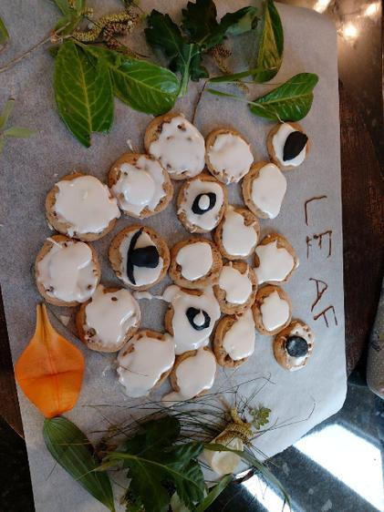 Leaf made out of biscuits by Amali.