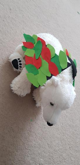Loving this polar bears wings!