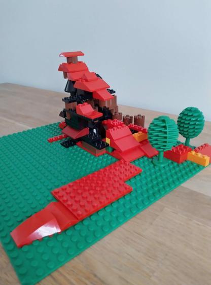 Tom's Lego lava