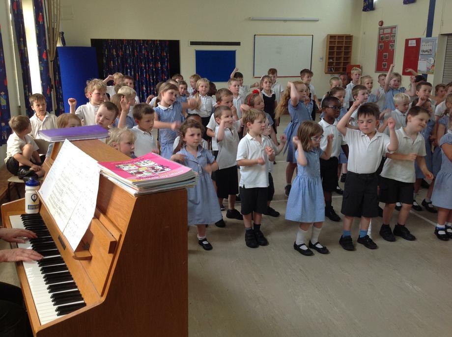 Key Stage 1 Singing practice