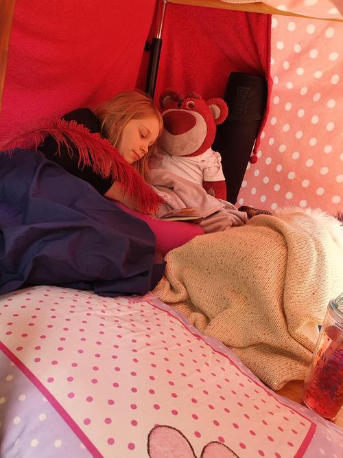 Sky M (4H) Sleeping in her den.