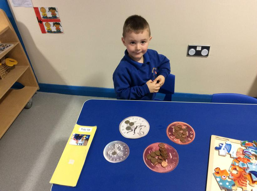 I can sort the coins at table top!