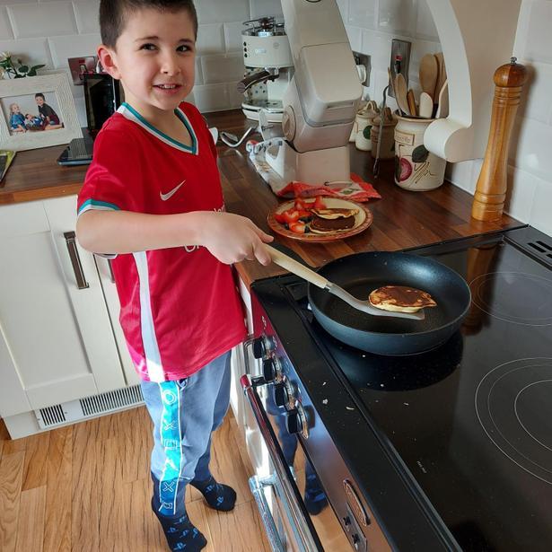 Super cooking, Eli