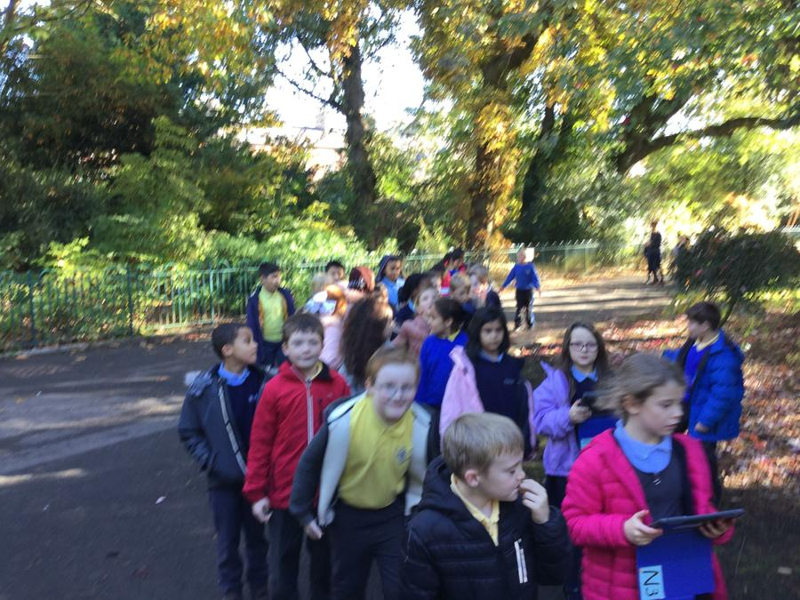 P5 senses walk in Botanic Gardens