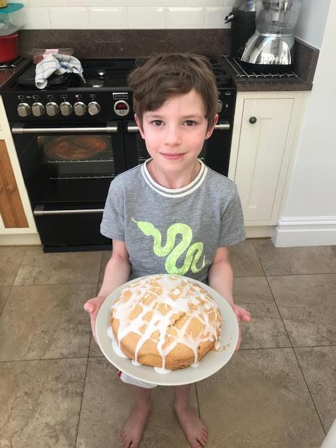 WM (2O) Baked a yummy lemon drizzle cake!