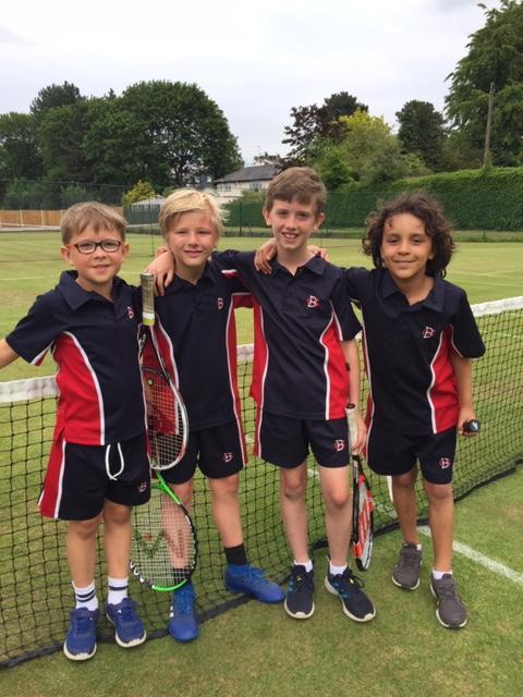 Y4 Tennis Team