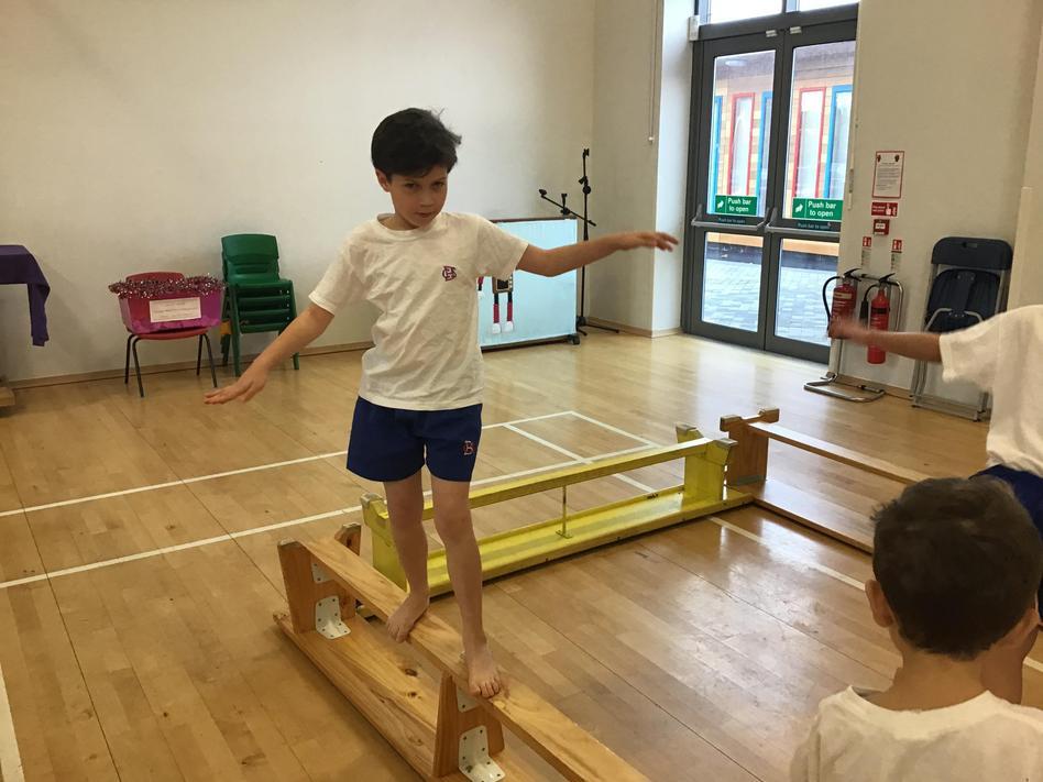 Using the apparatus in PE