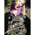 Forest school making stone age tools (27).JPG
