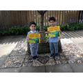 Zaki and Ibrahim receive their 'star reader' award