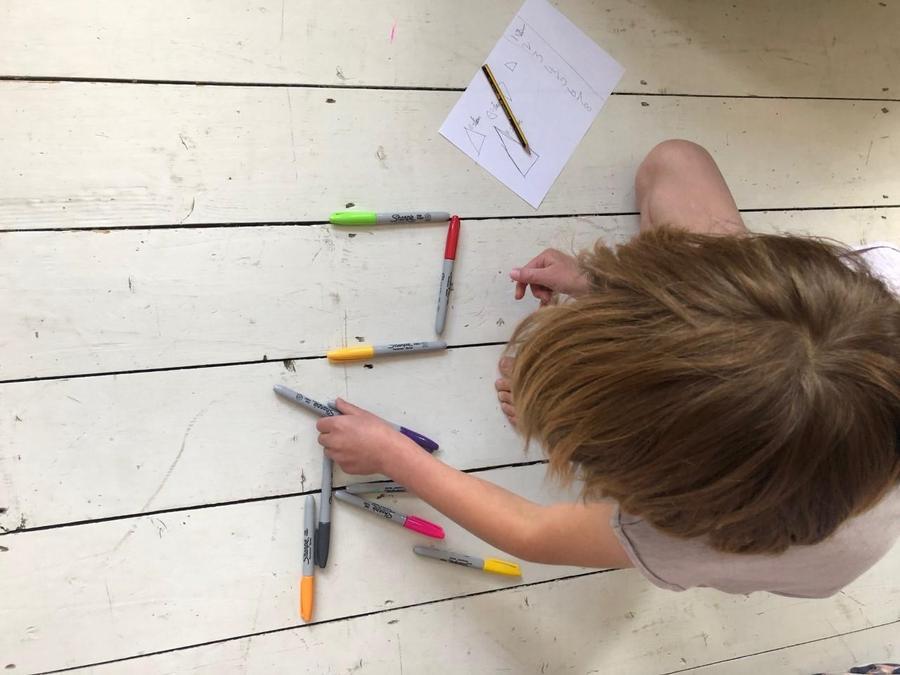 Creative 2D shape learning Nuala