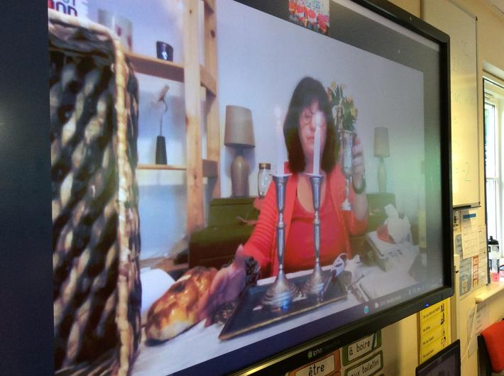 Nina showed us how her family celebrate shabbat every Friday evening.
