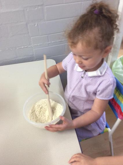 Making delicious porridge...