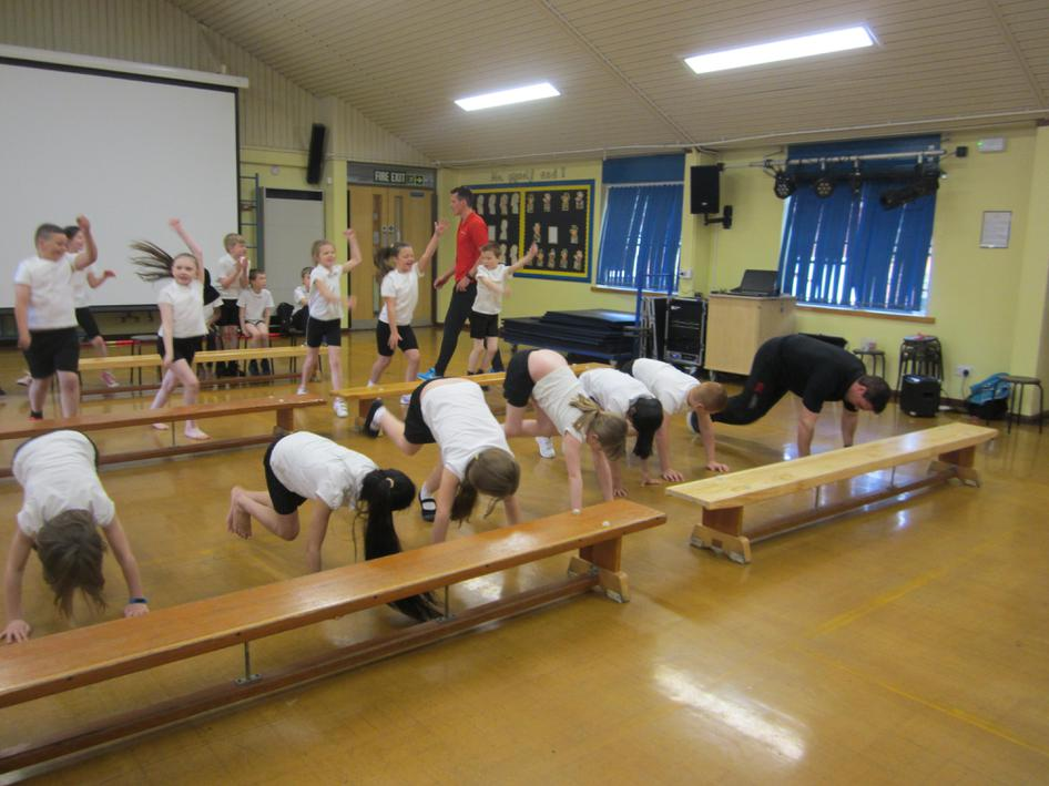 One minute of mountain climbers. No problem!