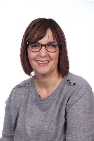 Lisa Jones (Teaching Assistant)