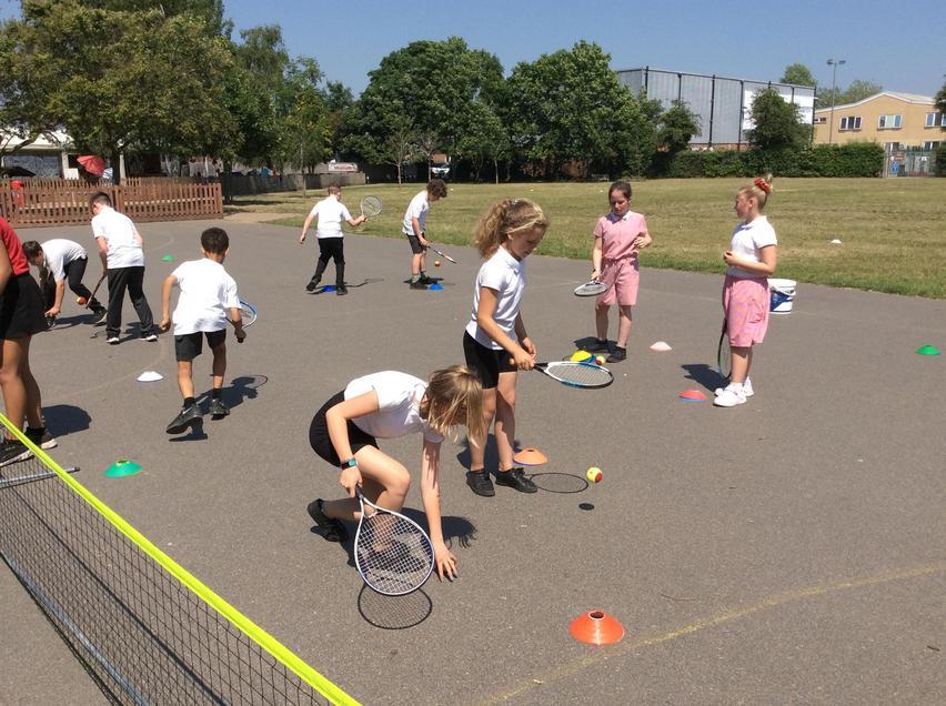Taster tennis day
