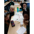 Sorting sweets using a classification key.