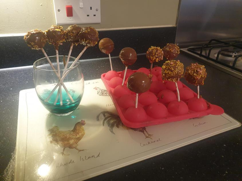 Harry makes chocolate lolly pops