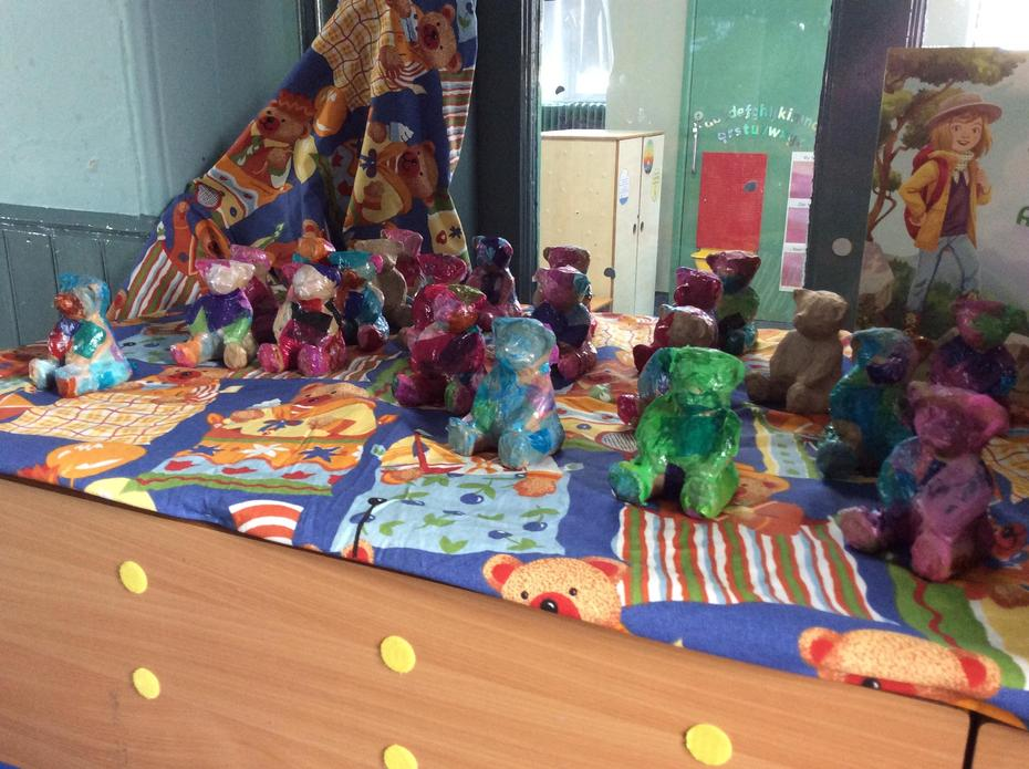 We chose different coloured tissue paper to glue onto our bears.