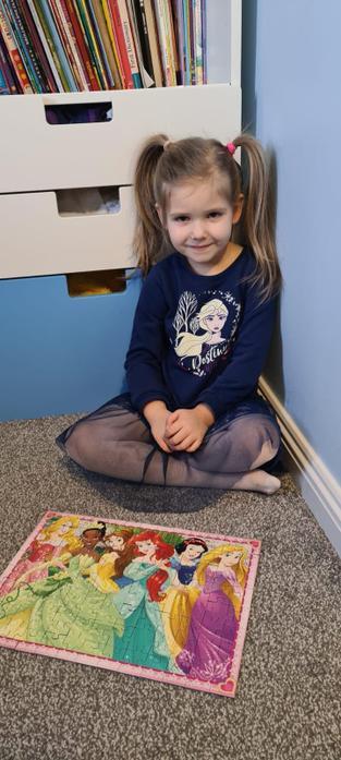 Pola and her princess jigsaw!