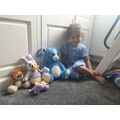 Saffy has found 3 different sized teddies.