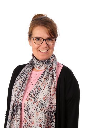 Mrs Andrea Greathead - Year 3