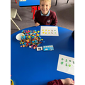 Understanding odd and even numbers by talking about pairs