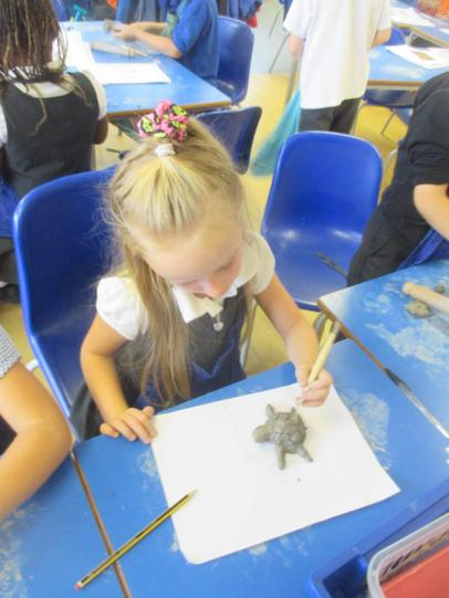 Making Madagascan animals using clay