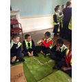5P studying Viking artefacts