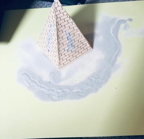 Freddie's fantastic pyramid!