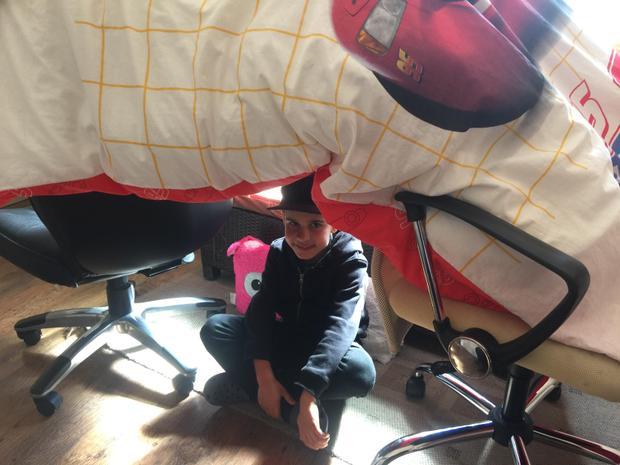 Alex's Easter challenge! Build a den