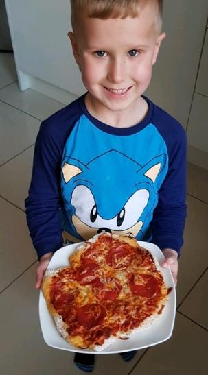 Yummy Pizza Making.
