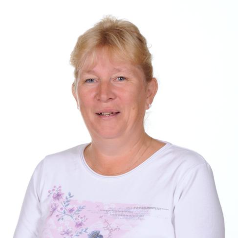 Mrs Tracey Lemon Senior Midday Supervisor