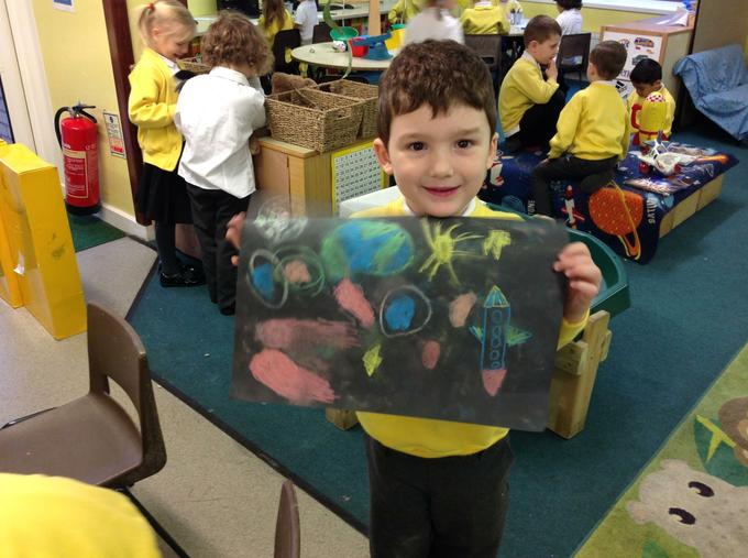We made solar system pictures using chalk