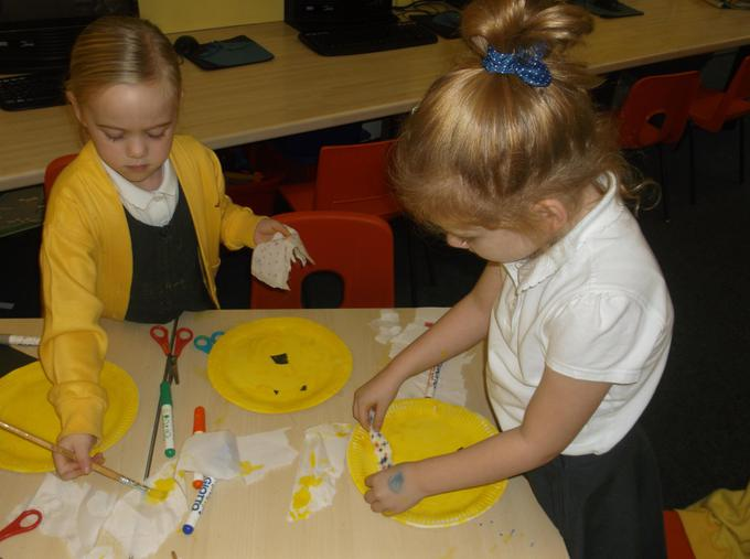 Making Pudsey paper plates