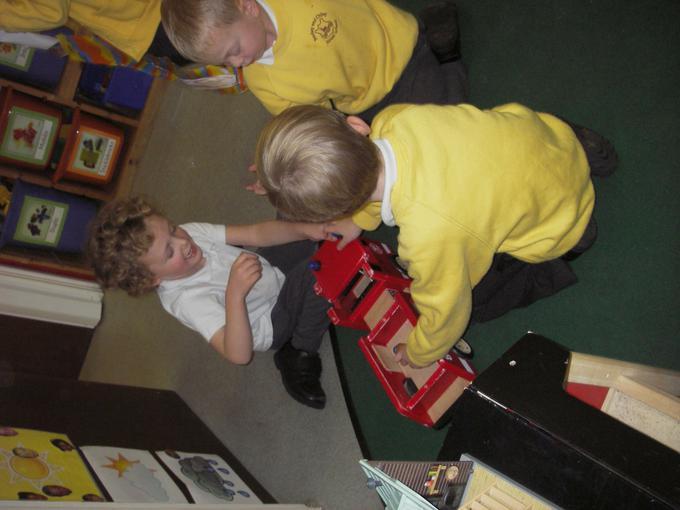 small world Fire Engine