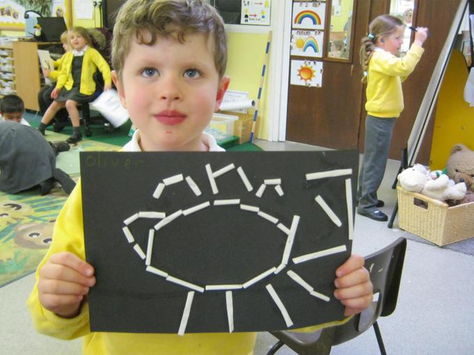 We made dinosaur fossil pictures