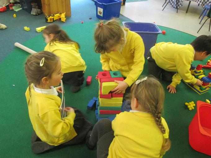 Using 3D shapes to make a boat
